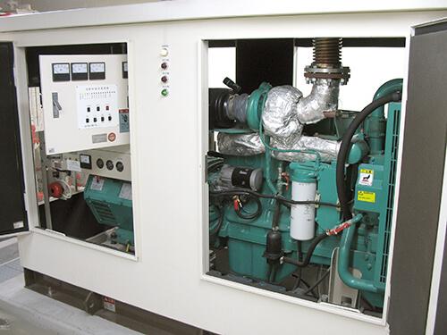 非常用小型発電機_155外観検査1(セルモータ側)